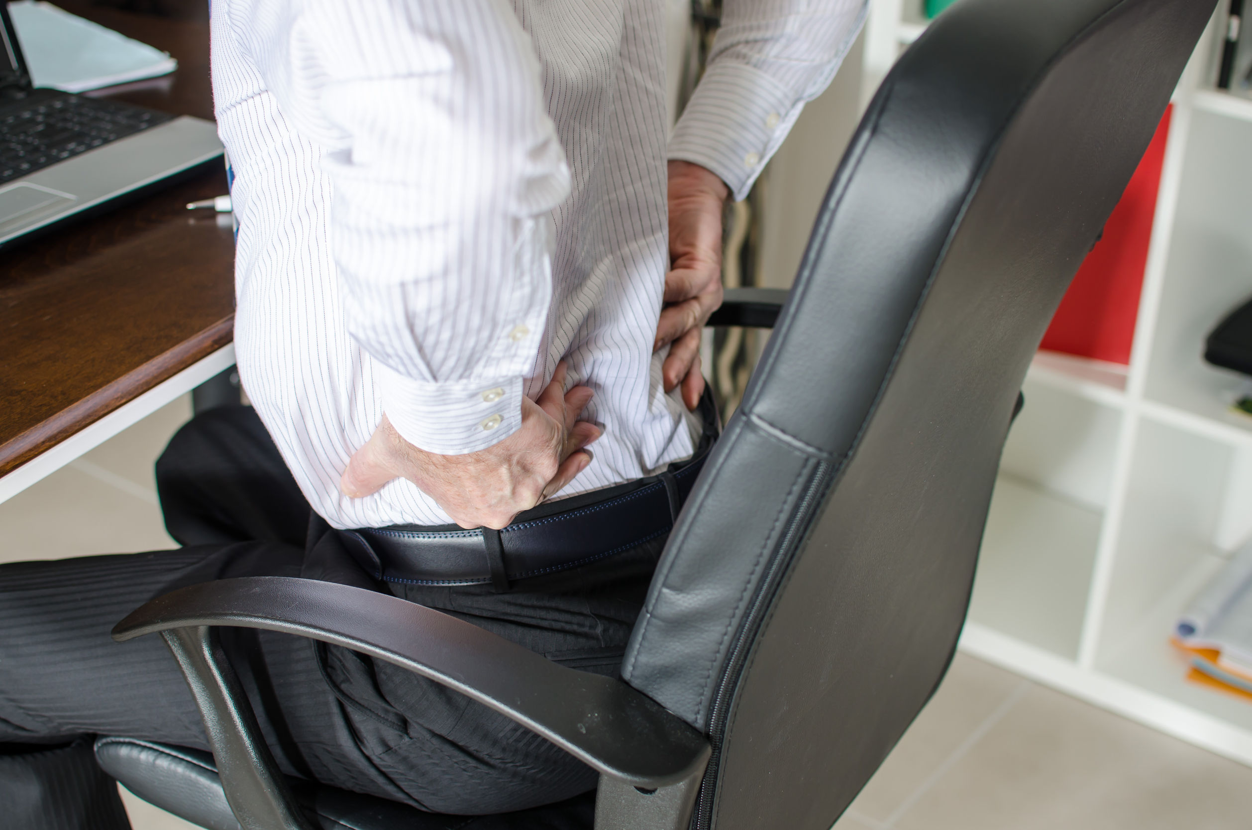 3 Quick Tips To Loosen Up Your Back After A long Day At The Office